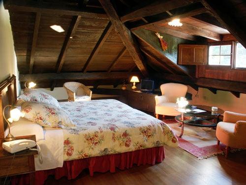 Casona del bosque de pumares hoteles con encanto hoteles con encanto - Habitaciones abuhardilladas ...