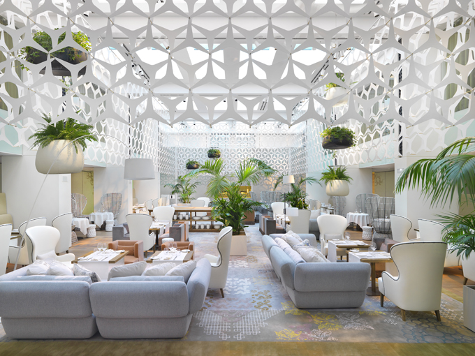 The-Mandarin-Oriental-Hotel-Luxury-Seating-Area-Interior-Design