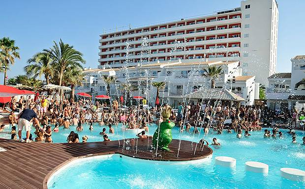 Ushuaia-Beach-Hotel,-pool-p