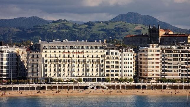 exterior_hoteldelondres--644x362